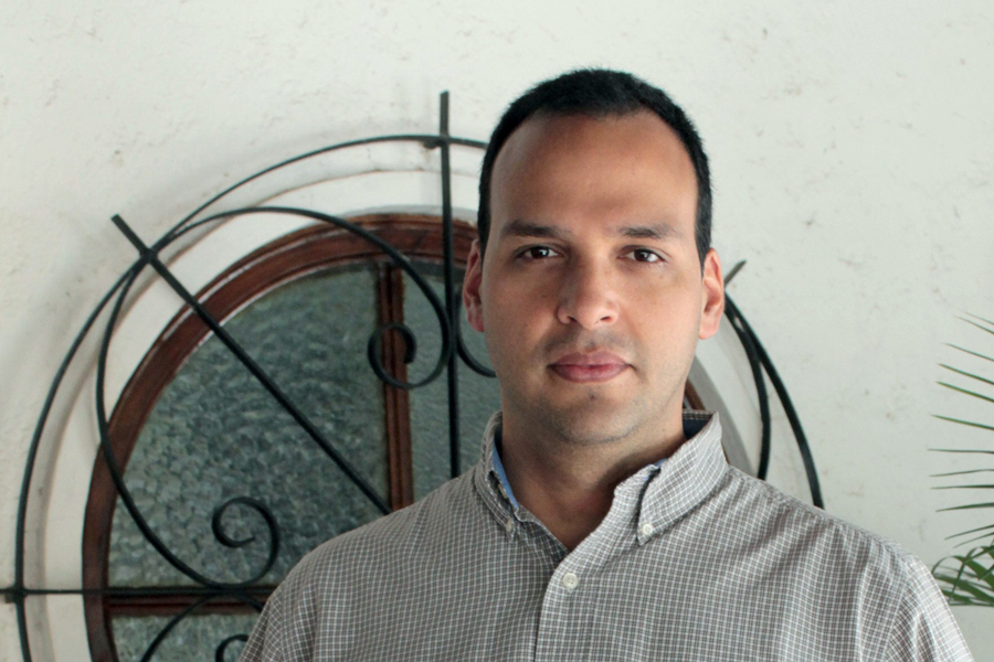 Portrait photo of Gabriel Lopez.