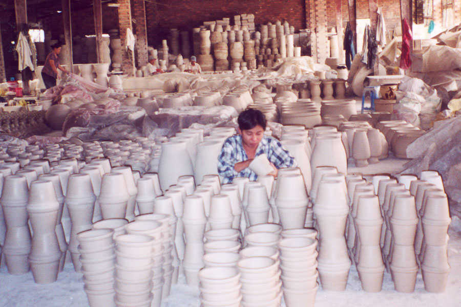 Photo of traditional Vietnamese pottery